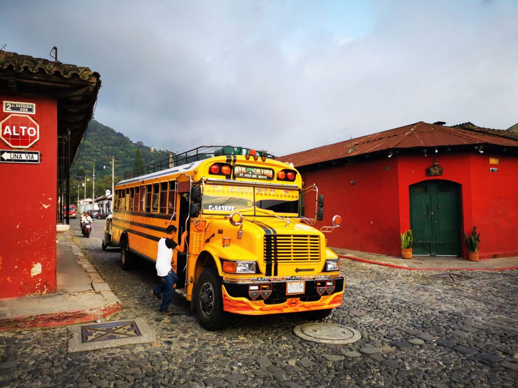 come andare da antigua a citta del guatemala chicken bus